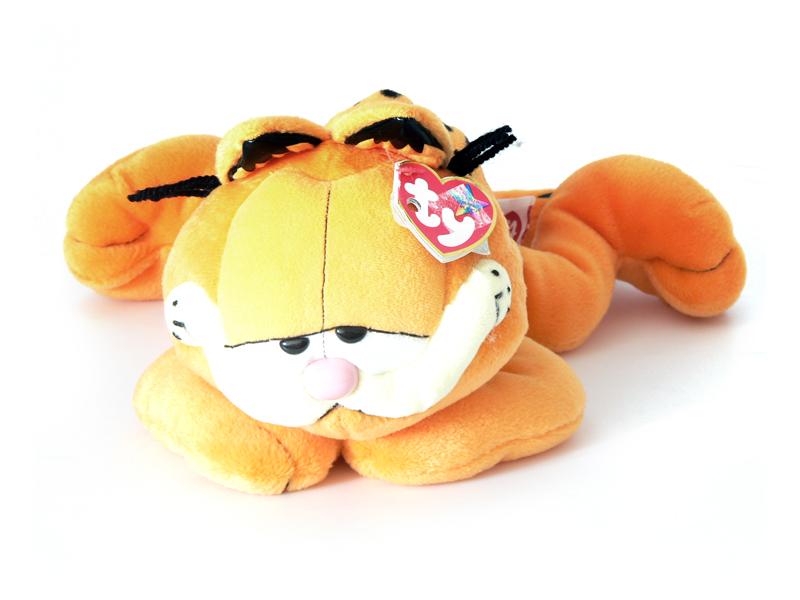 Garfield plüss figura hasaló 979055ba9c